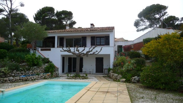 Location vacances maison / villa Les issambres 1105€ - Photo 13