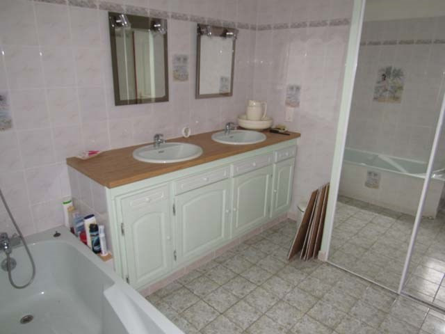 Sale house / villa Matha 233 200€ - Picture 5