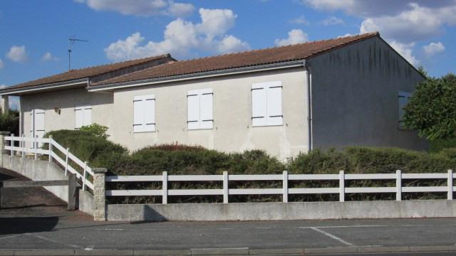 Sale house / villa Saint-jean-d'angély 180200€ - Picture 2