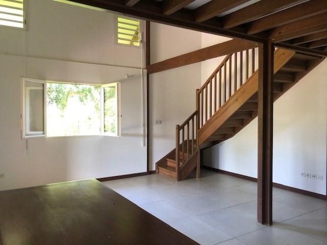Location maison / villa St benoit 914€ CC - Photo 4