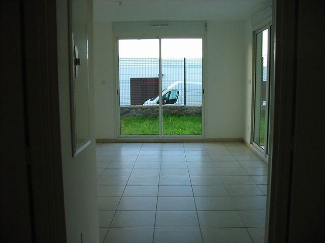 Location appartement Ste clotilde 561€ CC - Photo 2
