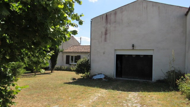 Sale house / villa Saint jean d'angély 159 000€ - Picture 5