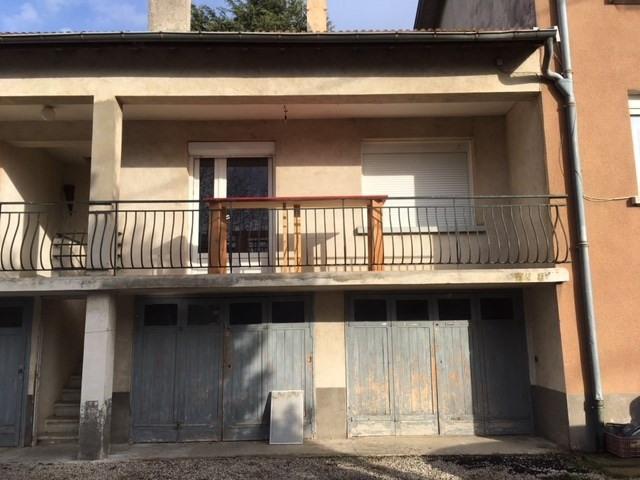 Location appartement Granges-les-beaumont 372€ CC - Photo 1