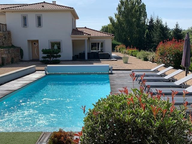 Deluxe sale house / villa Saint-galmier 569 000€ - Picture 1