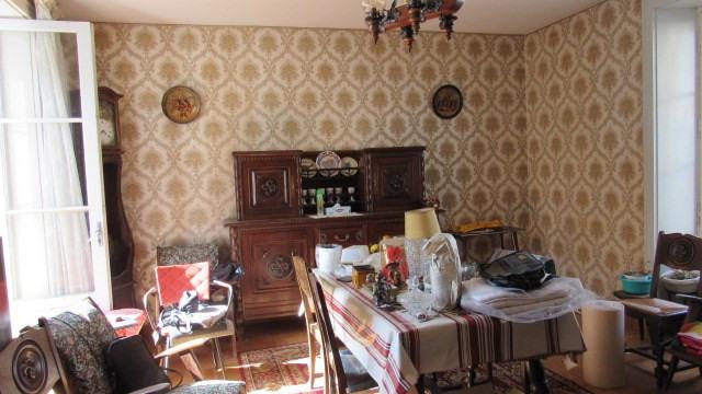 Sale house / villa Saint jean d angely 80250€ - Picture 3