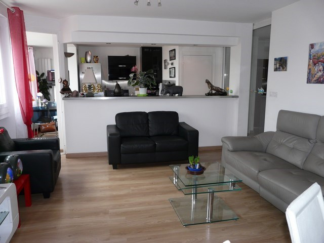 Sale apartment Saint-priest-en-jarez 159 000€ - Picture 2