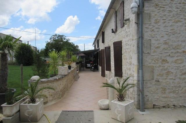 Vente maison / villa Tonnay-charente 300675€ - Photo 2