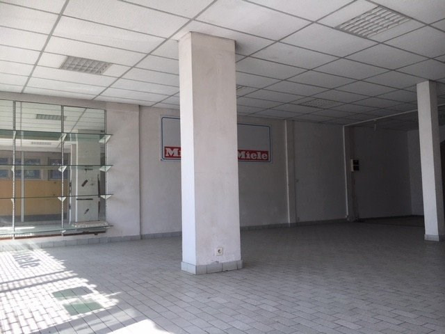 Location local commercial St denis 3400€ CC - Photo 3
