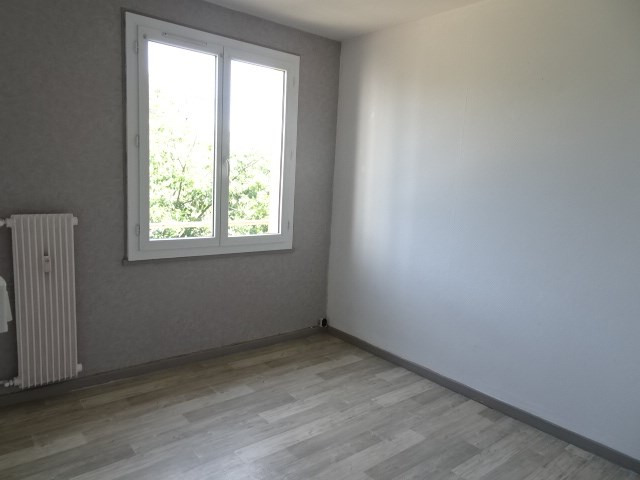Location appartement Villefranche sur saone 545,58€ CC - Photo 7