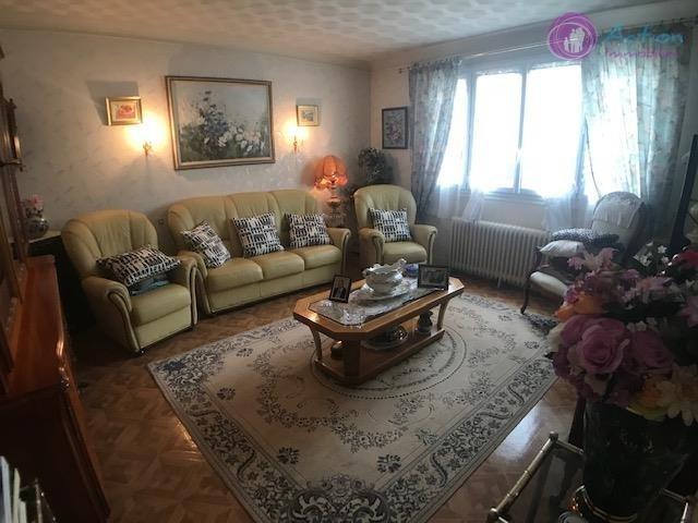 Sale house / villa Brie comte robert 310000€ - Picture 3