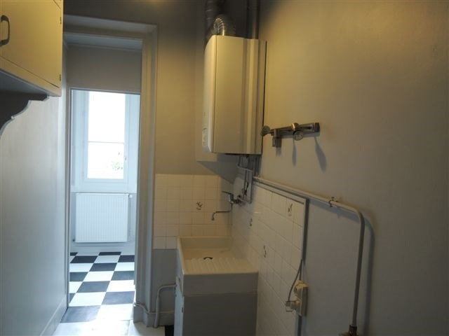 Rental apartment Courbevoie 1 380€ CC - Picture 2