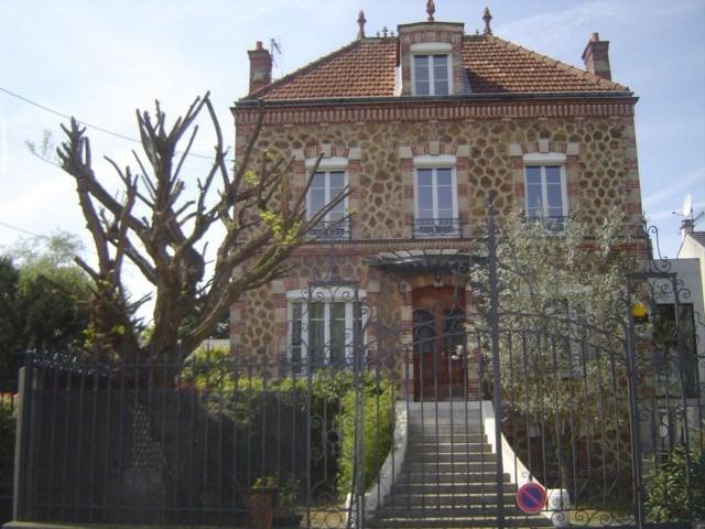Sale house / villa Les pavillons sous bois 850000€ - Picture 1