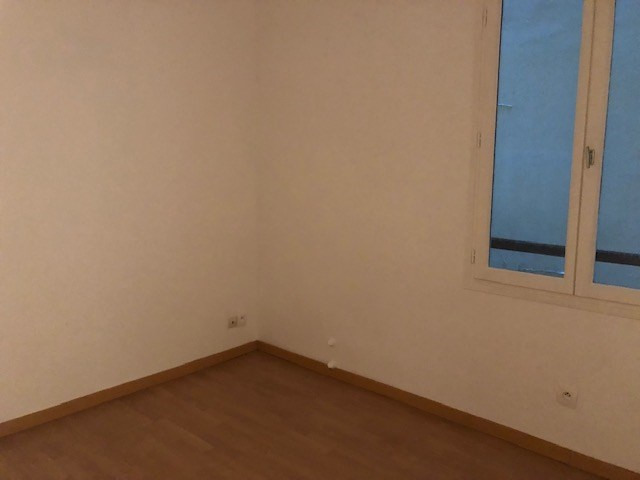 Location appartement Paris 10ème 1 090€ CC - Photo 4