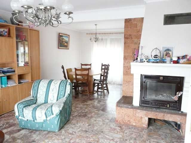 Vente maison / villa Saint-genest-lerpt 299 900€ - Photo 2