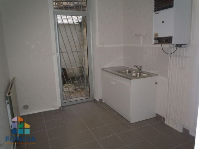 Location local commercial Saint-étienne 471€ CC - Photo 2