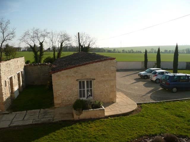 Sale house / villa Saint-jean-d'angély 299620€ - Picture 9
