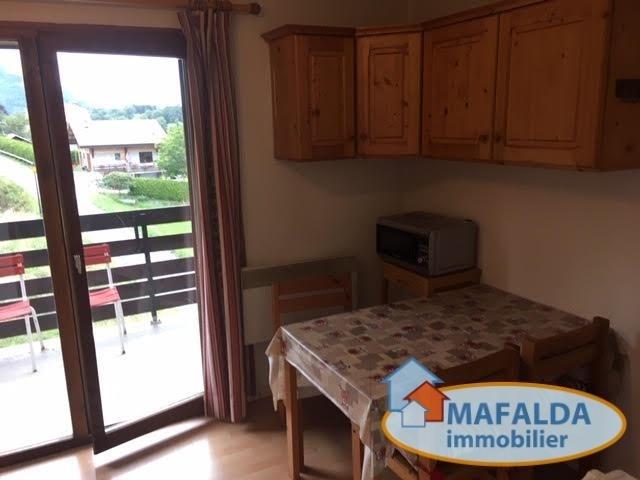 Rental apartment Mont saxonnex 310€ CC - Picture 1