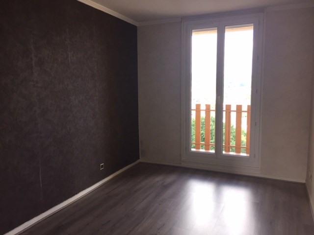 Location appartement Roche-la-moliere 661€ CC - Photo 4