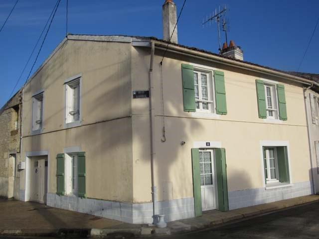 Vente maison / villa Saint-jean-d'angély 75000€ - Photo 1