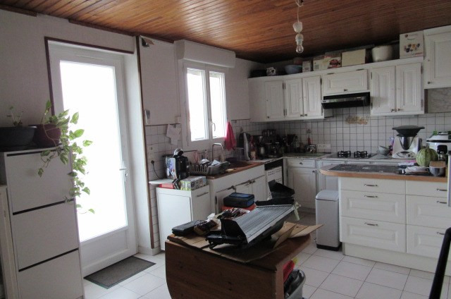 Sale house / villa Saint porchaire 106 500€ - Picture 4
