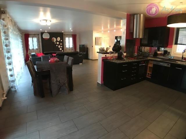 Sale house / villa Lesigny 465000€ - Picture 1