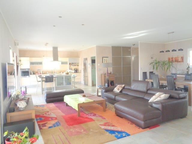 Sale house / villa Saint andre de cubzac 430000€ - Picture 1