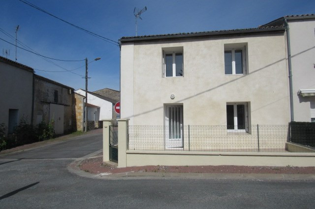 Sale house / villa Pont-l'abbé-d'arnoult 117000€ - Picture 1