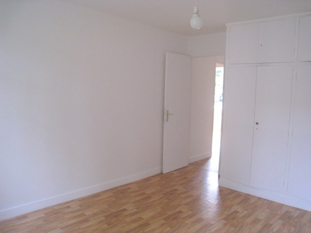 Sale apartment Bougival 210 000€ - Picture 3