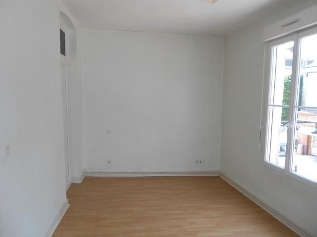 Rental apartment Vendome 525€ CC - Picture 2