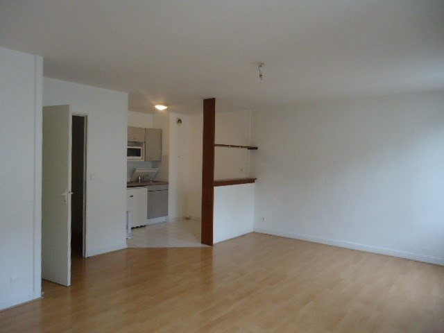 Rental apartment Cognac 343€ CC - Picture 1