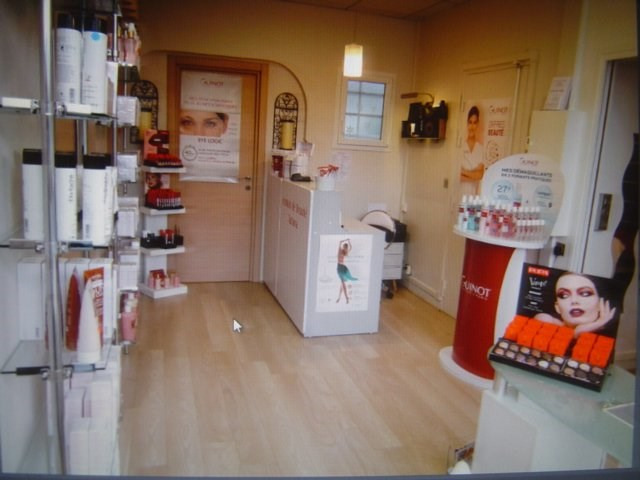 Sale empty room/storage Villemomble 200000€ - Picture 3
