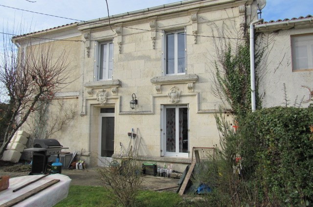 Sale house / villa Saint porchaire 106 500€ - Picture 1
