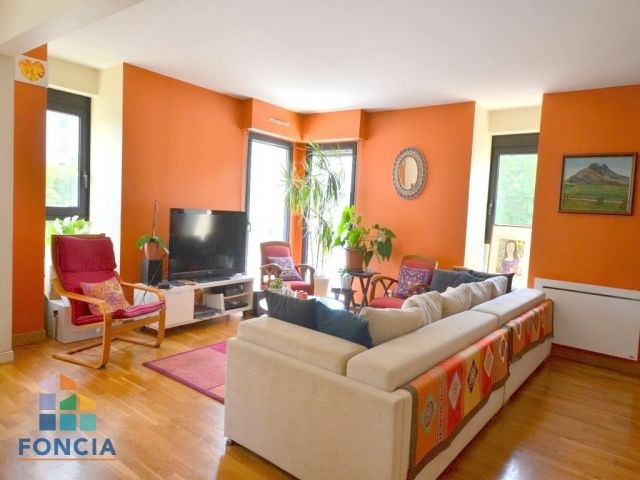 Deluxe sale apartment Suresnes 875 000€ - Picture 2