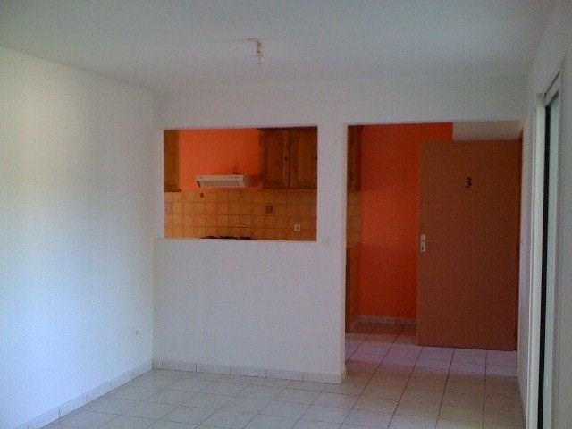 Location appartement Petite ile 600€ CC - Photo 5