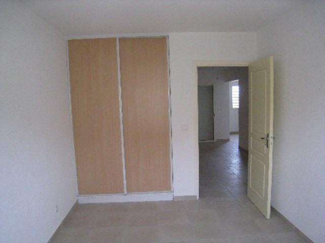 Sale apartment St claude 155000€ - Picture 5