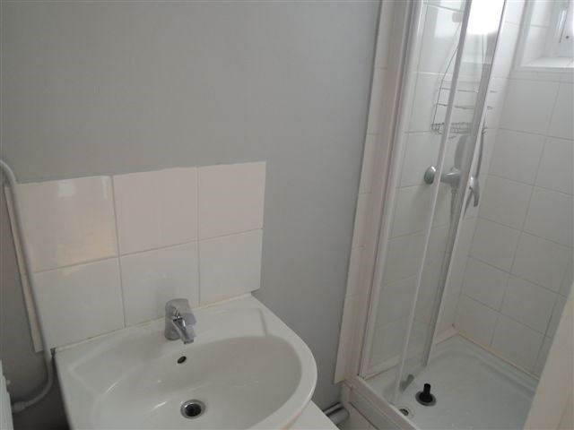 Rental apartment Courbevoie 1 380€ CC - Picture 3