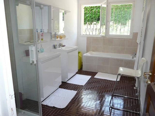 Rental house / villa Saint-genest-lerpt 1076€ CC - Picture 7