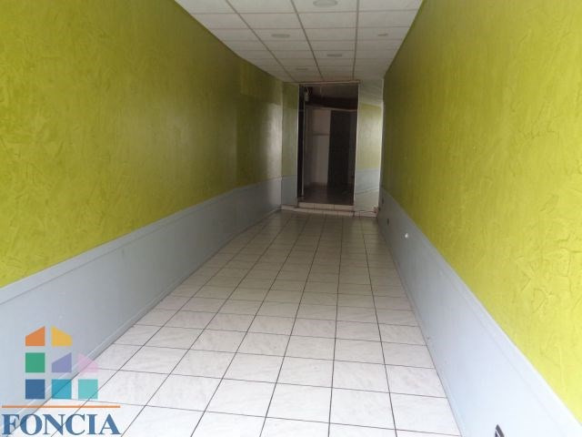 Location local commercial Saint-étienne 805€ CC - Photo 2