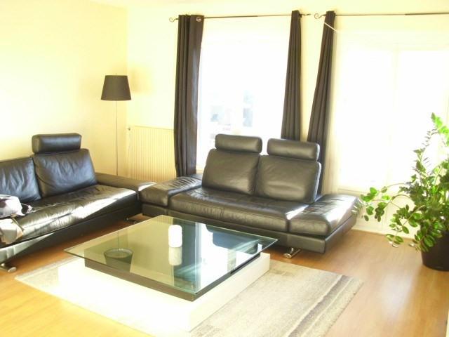 Rental apartment Maurepas 850€ CC - Picture 2