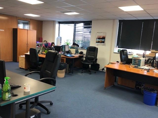 Locação escritório Valence 26334€ CC - Fotografia 3