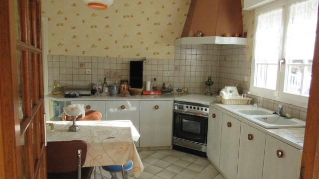 Sale house / villa Saint-jean-d'angély 138000€ - Picture 4