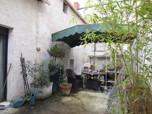 Sale house / villa Saint jean d'angely 96000€ - Picture 5