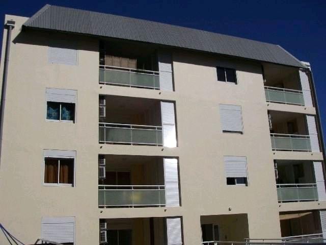 Rental apartment St denis 569€ CC - Picture 1