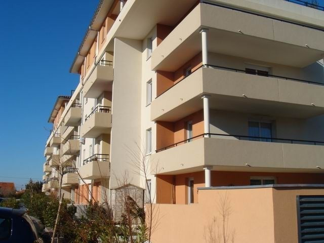 Sale apartment Carpentras 97 000€ - Picture 2