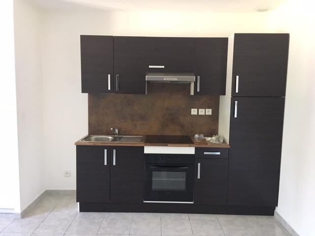 Rental apartment Chavanoz 660€ CC - Picture 4