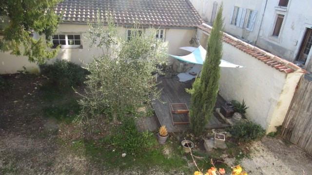 Sale house / villa Saint-jean-d'angély 222600€ - Picture 3