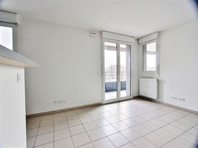 Rental apartment Annecy 981€ CC - Picture 2