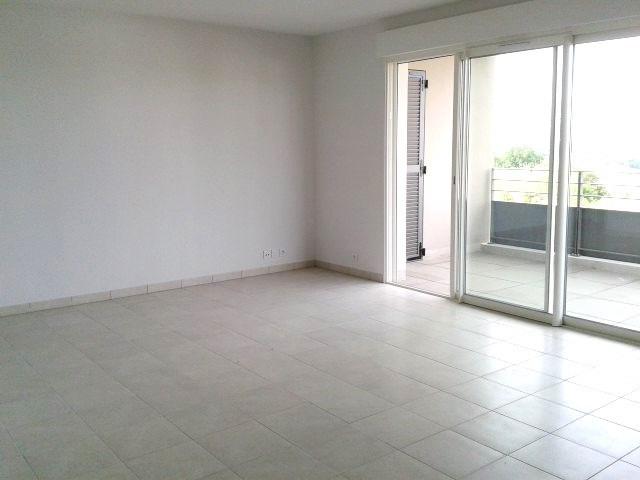 Location appartement Fréjus 981€ CC - Photo 2