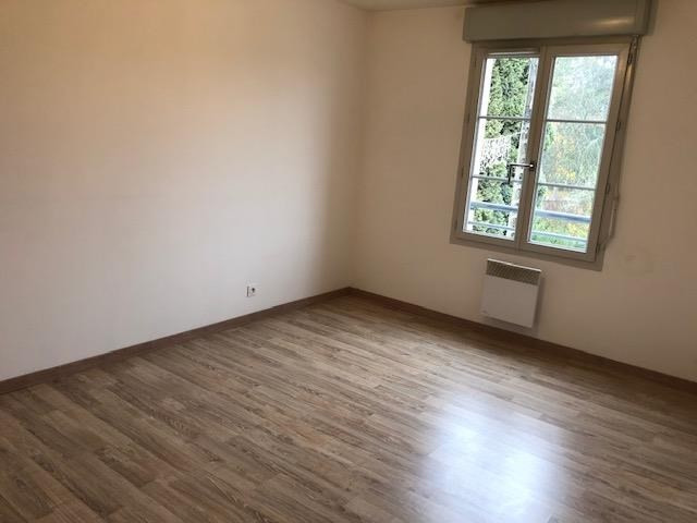 Rental apartment La ferte gaucher 710€ CC - Picture 4
