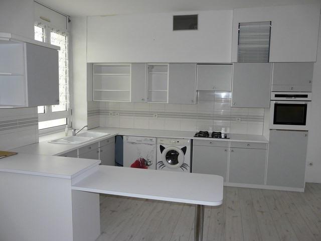 Rental apartment Saint-etienne 710€ CC - Picture 8